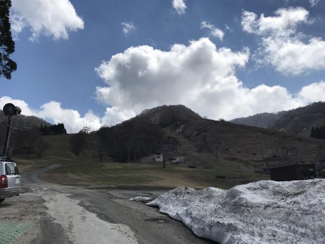 滋賀県のスキー場でカーペットクリーニング①