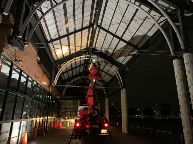千葉県でアーケード天面へのピーコンネット施工②