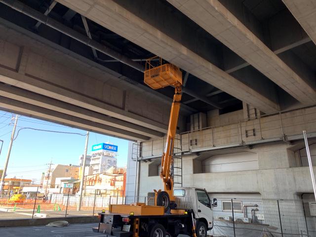神奈川県で高架下ネット施工
